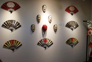 まちの薪能・能に詠われる多賀城「能の衣・面・扇」展開催中です